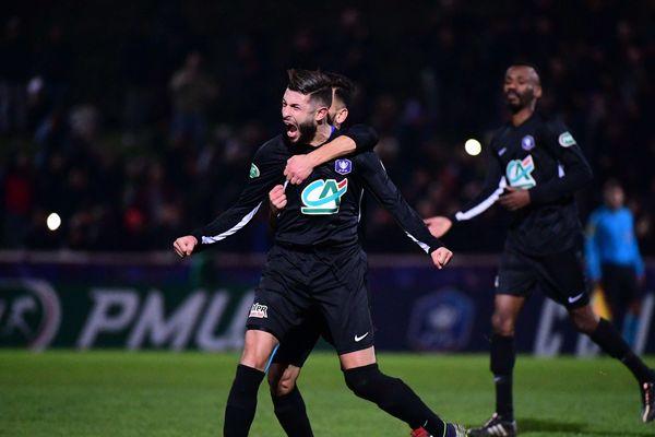 La joie de Salim Issaad, auteur d'un coup franc à la 42e minute face au GFC Ajaccio, ce dimanche 6 janvier en 32e de finale de la Coupe de France.