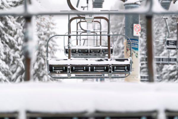Les stations de ski françaises emploient plus de 120 000 salariés, essentiellement des saisonniers.