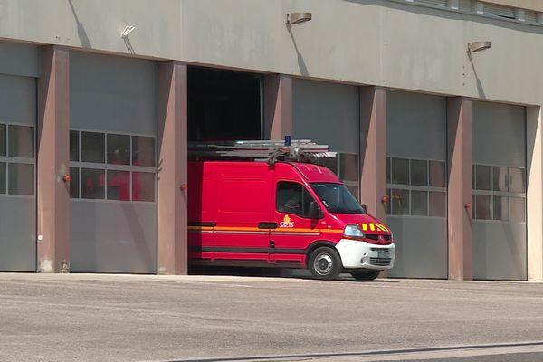 A tout moment les pompiers se doivent d'être opérationnels. Mais que se passe t-il s'ils ne sont pas assez nombreux ?