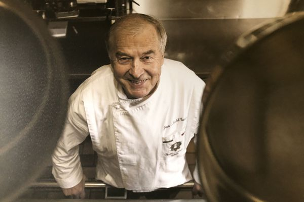La photo du chef vous accueille en cuisine