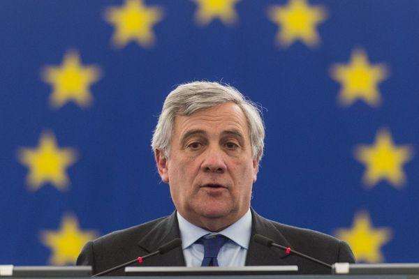 L'Italien Antonio Tajani l'a emporté avec 351 voix sur son compatriote social-démocrate, Gianni Pittella.