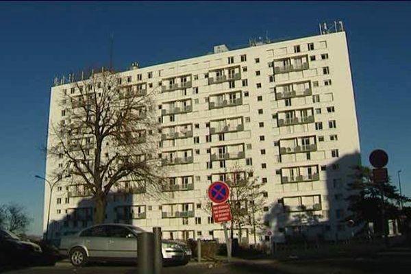 La perquisition administrative a eu lieu le 18/11/2015 dans cet immeuble du quartier Saint-Jacques, à Clermont-Ferrand.