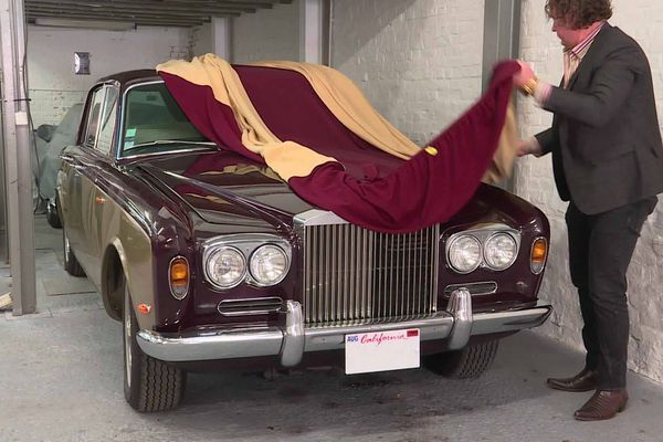 """Cette Rolls-Royce qui """"dormait dehors"""" depuis des années a été restaurée par Olivier Pierre"""