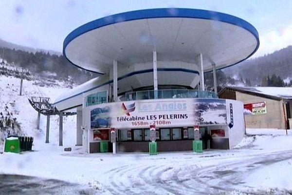 Les Angles (Pyrénées-Orientales) - première neige sur les Pyrénées - 15 novembre 2013.