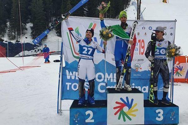 """Nicolas Sarremejane (à gauche) sur le podium des """"Deaflympics"""" de Santa Catarina en Italie"""