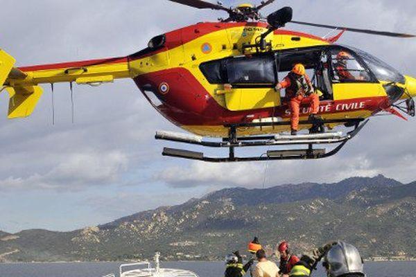 ILLUSTRATION- Une femme enceinte qui se trouvait inconsciente à bord d'un ferry au large de Calvi a été transportée à l'hôpital de Bastia.