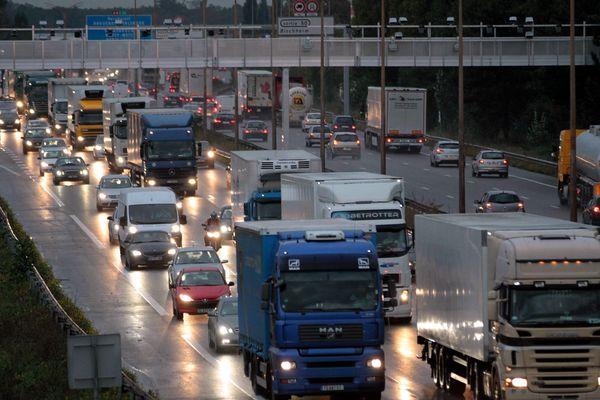Important trafic sur l'autoroute A35. (image d'archive)