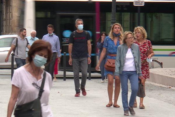 A Bordeaux, certains ont apprécié pouvoir tomber le masque. En le gardant toujours accessible...