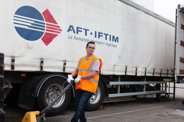 Jason Daria, employé d'une entreprise d'Alès a été sacré meilleur chauffeur routier de France