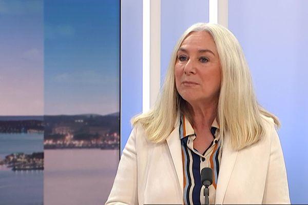 Anne Murris, sur le plateau du journal de France 3 Côte d'Azur, le 30 octobre 2020. Elle réagissait à l'attentat de la basilique Notre-Dame à Nice.
