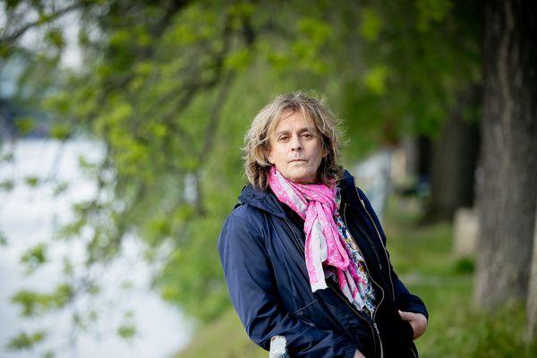 Nilda Fernandez près de la Maison de la radio à Paris, en mai 2017. Le chanteur franco-espagnol, qui vivait dans l'Aude, a succombé à une insuffisance cardiaque dimanche, à l'âge de 61 ans.