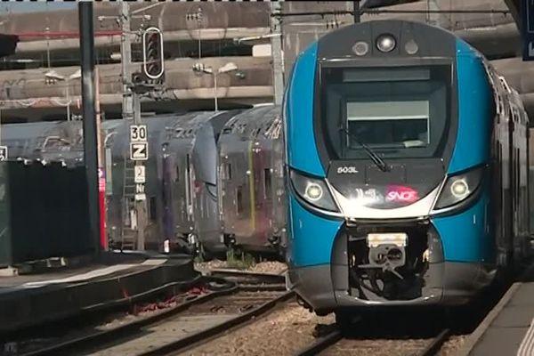 Arrivée à Nantes de la première des 13 rames du nouveau train Régio2N, permettant d'embarquer jusqu'à 50 vélos.
