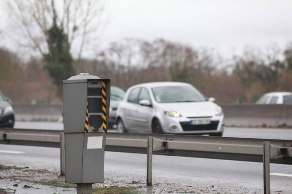 Un radar entre Chartres et Paris dans le top 10 radars fixes ayant le « plus flashé » en 2017, un radar entre Blois et Tours parmi radars fixes ayant le « moins flashé » en 2017.