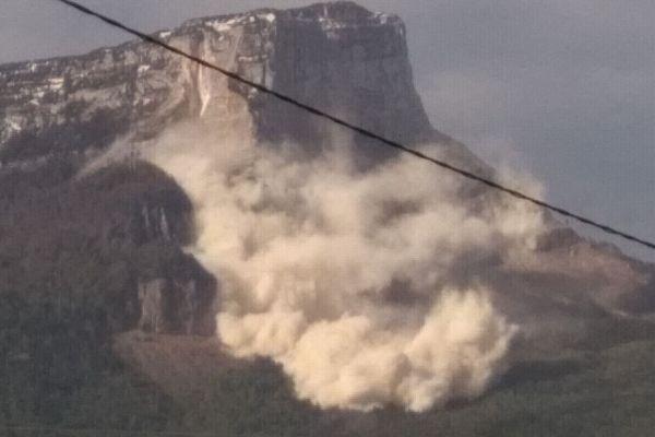 Les chutes de rochers ont commencé à partir de 8h 30 ce samedi 7 mai.