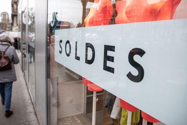 7 commerçants sur 10 constatent un résultat moins bon des soldes d'hivers 2020 par rapport aux précédentes, eles-mêmes déjà impactées par des mouvements sociaux, selon une étude de la CCI.