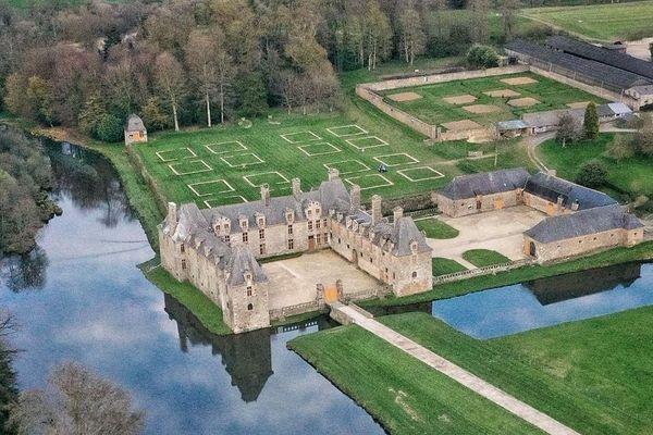 Vue aérienne du Château du Rocher Portail