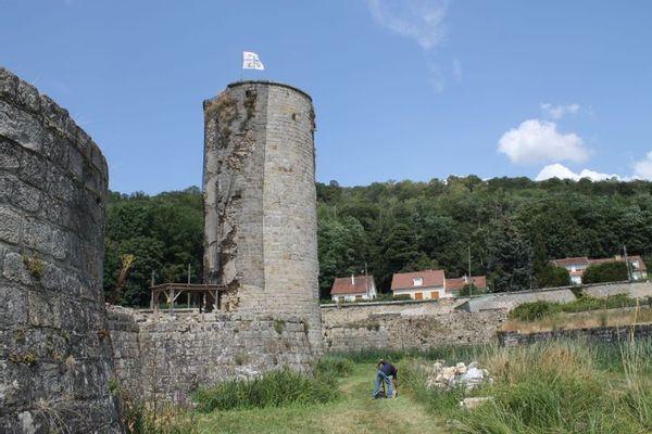 La Tour Henry IV du château de Montagu à Marcoussis, un des 8 sites retenus.