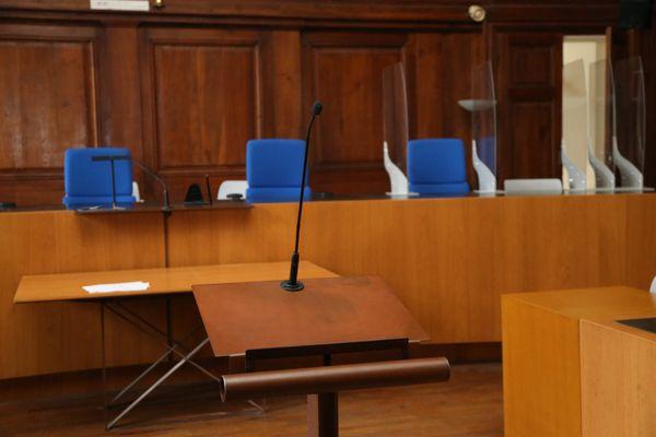 Tribunal de Vesoul, salle des assises.