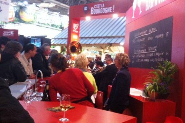 Le bar à vins du stand Bourgogne au SIA 2015, dimanche 22 février.