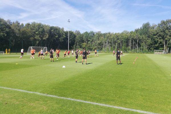 Le RC Lens à l'entraînement à Genk en Belgique.