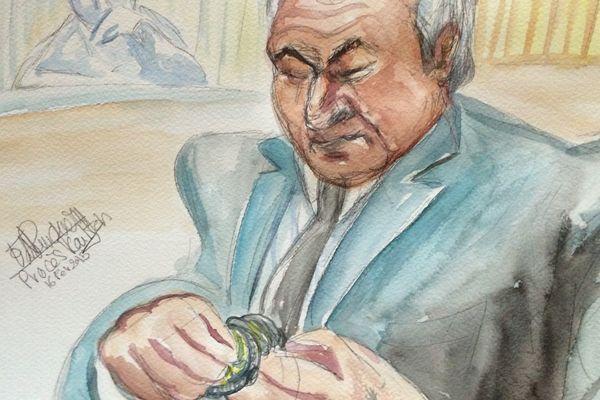 Dominique Strauss-Kahn a, une fois de plus, semblé peu préoccupé lors des plaidoiries des parties civiles au tribunal correctionnel de Lille, le 16 février 2015.
