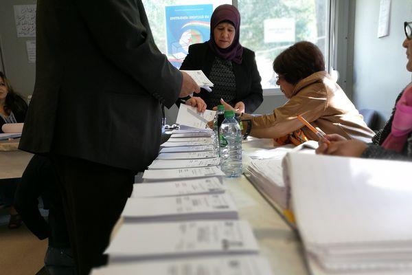 A Nantes, le consulat d'Algérie représente 40 000 ressortissants dans le grand ouest. Le scrutin a commencé samedi dernier, dans 6 bureaux de vote.