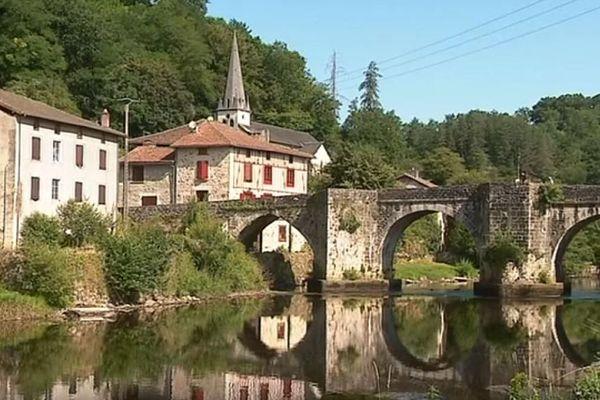 Classée au patrimoine mondial de l'Unesco pour sa collégiale, Saint-Léonard-de-Noblat rayonne sur le chemin de Compostelle.