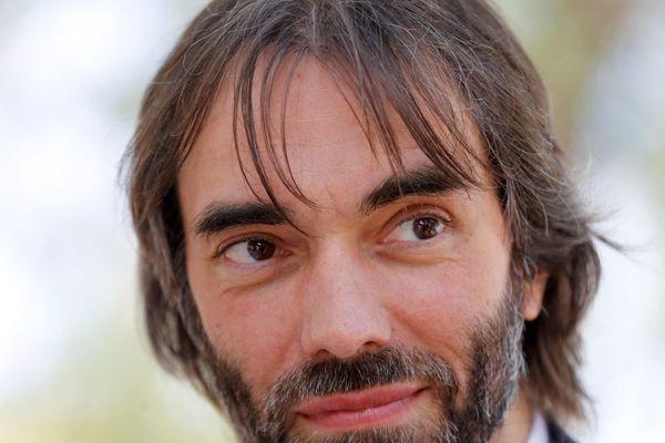 Le mathématicien et député LREM Cédric Villani présente une candidature dissidente au sein du parti présidentiel en vue des municipales parisiennes, face à celle de Benjamin Griveaux.