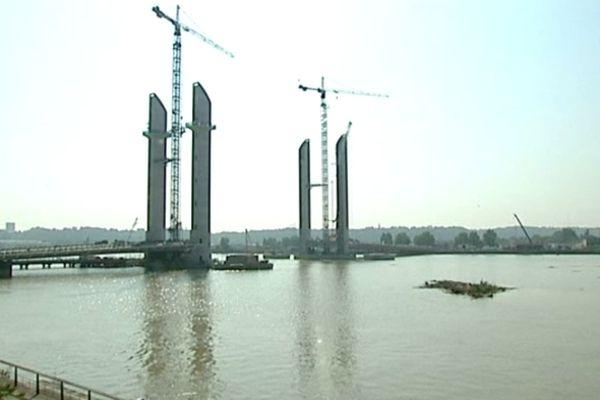 Quel sera le nom du nouveau pont de Bordeaux?