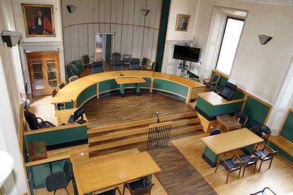 Mende - palais de justice, la salle de la cour d'assises de la Lozère - 2019.