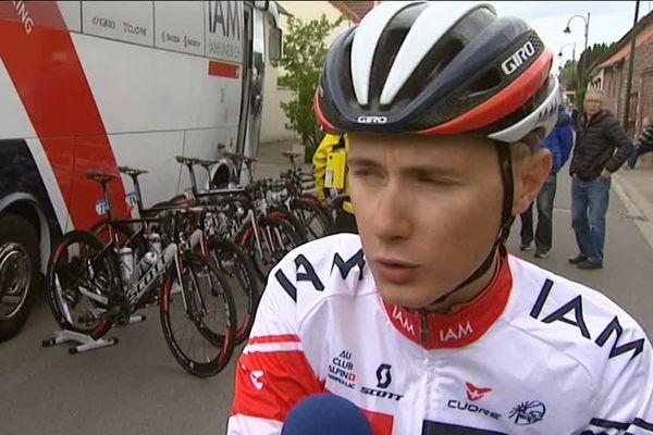 """Clément Chevrier, désormais cycliste professionnel de l'équipe IAM, est de retour sur ses """" routes d'entraînement""""."""