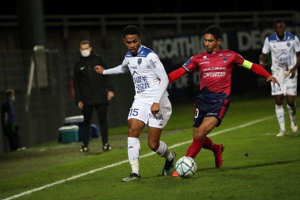 Jonathan Iglesias (à droite), le capitaine du Clermont Foot, croit aux chances de l'équipe de France, pour l'Euro 2021 de football.