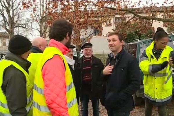 Le député Alexandre Freschi à la rencontre des gilets jaunes à Marmande