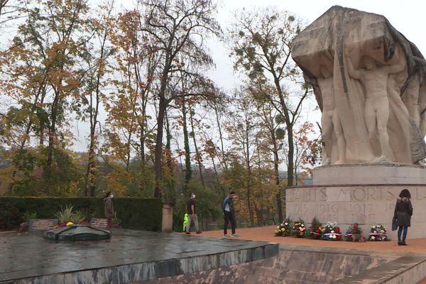 Lyon : une cérémonie du 11 novembre en comité restreint sur l'île du souvenir
