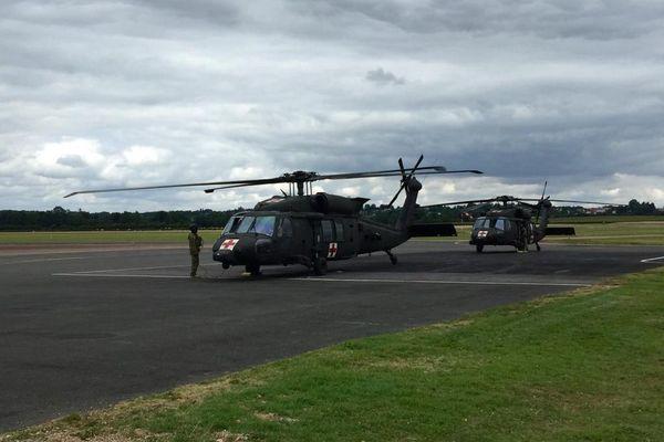 Les hélicoptères de l'armée américaine ont investi le tarmac de l'aéroport de Nevers.