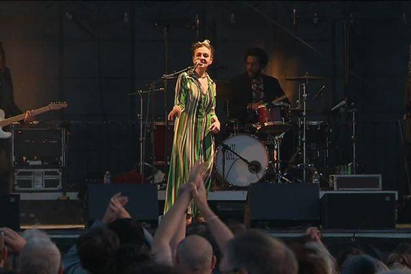 Catherine Ringer, une rockeuse toujours au top sur scène
