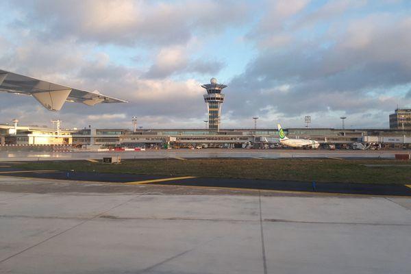 Les terminaux de l'aéroport d'Orly changent de nom.