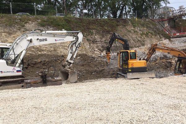 Les travaux pour l'aménagement d'une échelle à poisson sur le barrage ont débuté