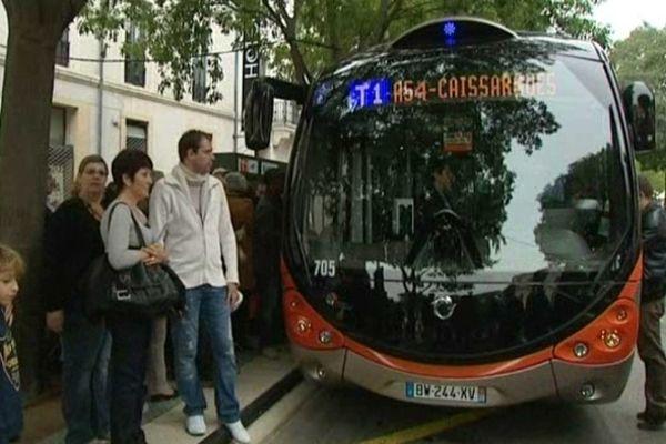 Nîmes - le trambus Tango+ - 29 septembre 2012