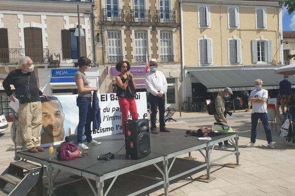 Jamila El Barkaoui, la soeur de Saïd, s'est adressé aux personnes rassemblées ce 5 juin à Mont-de-Marsan.