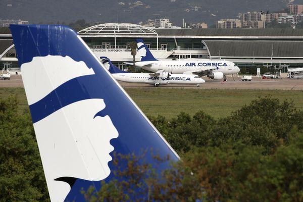 Par rapport à la même période l'an passé, les compagnies aériennes constatent une baisse de trafic de 50%.