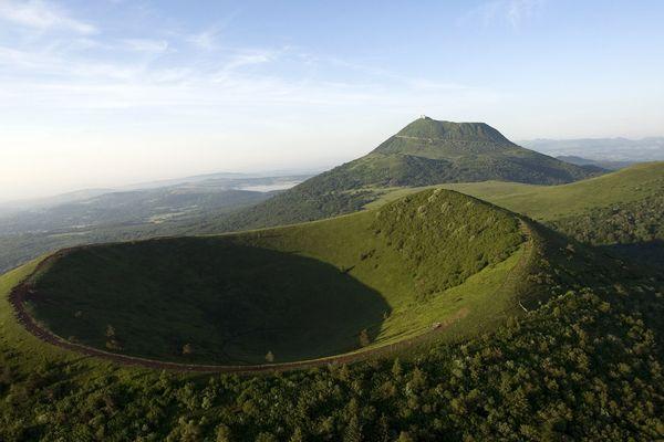 Lundi 2 juillet : un jour historique pour la Chaîne des Puys qui est enfin inscrite au patrimoine mondial de l'humanité.