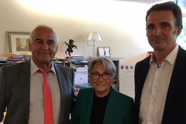 Le chanteur Michel Fugain aux côtés d'Eric Piolle à l'occasion de l'hommage rendu à son père, Pierre Fugain