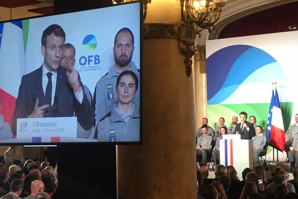 Emmanuel Macron au centre des congrès de Chamonix ce midi.