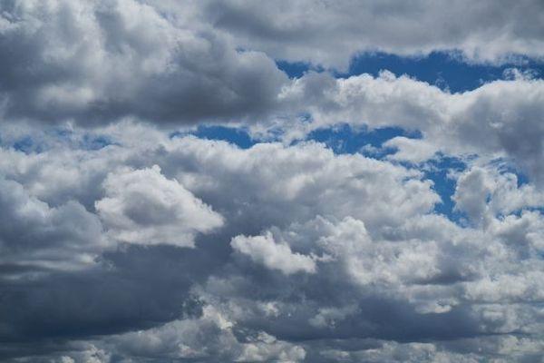 Beaucoup de gris d'abord, et puis un peu de bleu dans le ciel normand en ce samedi...
