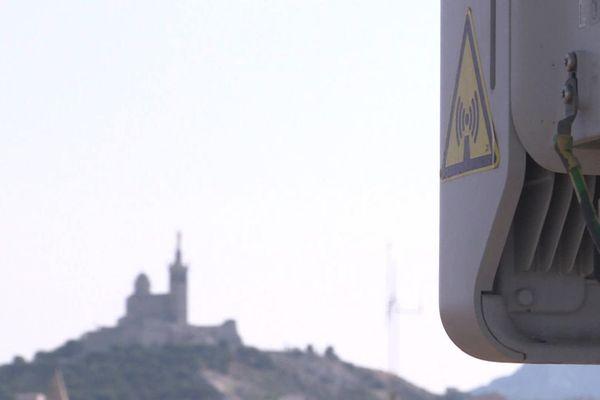 Orange a installé 200 émetteurs pour faire fonctionner la 5 G à Marseille.