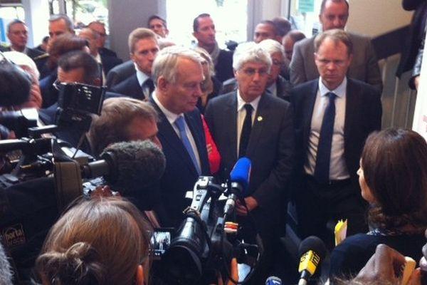 Jean-Marc Ayrault, premier ministre, à Arras, ce jeudi.