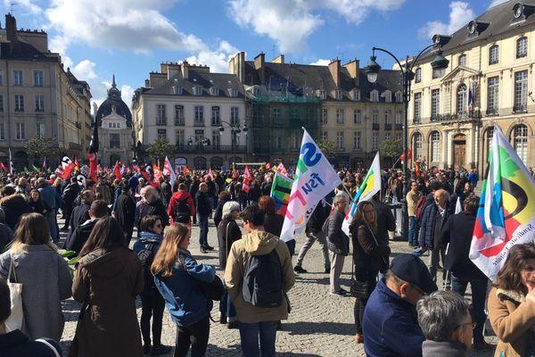 Des centaines de personnes réunies à Rennes pour le traditionnel 1er mai.