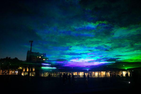 Avec cette aurore boréale illuminant le ciel de Rennes, le suisse Dan Archer va émerveiller nos nuits