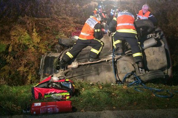 Les pompiers ont du procéder à la désincarcération d'un homme dans l'une des voitures accidentées